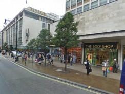 Оксфорд-стрит — место для шопинга. Лондон. Англия