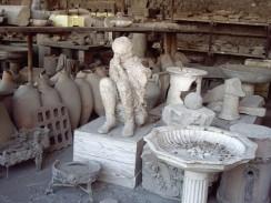 Италия. Неаполь. С 1863 года раскопками Помпеи руководил Джузеппе Фиорелли.