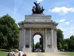 Гайд-парк. Триумфальная Арка Веллингтона. Лондон. Англия