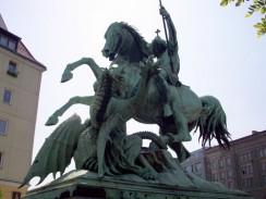 Скульптура св. Георгия в квартале Николаифиртель