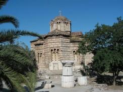 Греция. Афины. Византийский Храм Святого Георгия на горе Ликавиттос