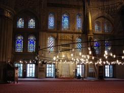 Турция. Стамбул. Интерьер мечети Султанахмет (Голубая Мечеть).