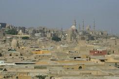 Египет. Каир. Умерших хоронят вот на таких «кладбищах», занимающих огромные территории.