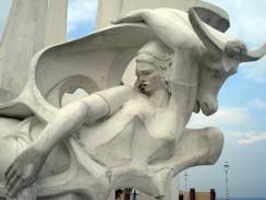Египет. Александрия.  Скульптурная композиция «Похищение Европы»