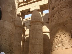 Колонны Карнакского храма. Луксор. Египет.