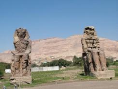Колоссы Мемнона - первое, что попадается на пути в Долину Царей. Луксор. Египет