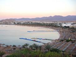 Египет. Шарм-эль-Шейх. На заднем плане библейские горы Синая.