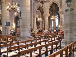 Франция. Париж. Интерьер собора Парижской богоматери.