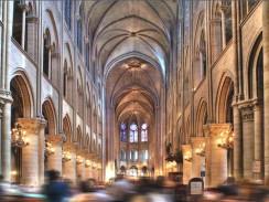 Интерьер собора Парижской Богоматери. Париж. Франция.