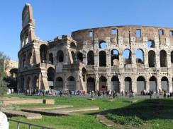 Колизей или Амфитеатр Флавиев — самый большой из древнеримских амфитеатров. Рим. Италия.