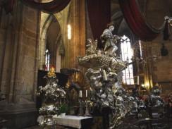 Чехия. Прага. Саркофаг Яна Непомуцкого в соборе святого Вита.