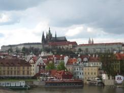 Чехия. Вид на Пражский град в панораме Праги.