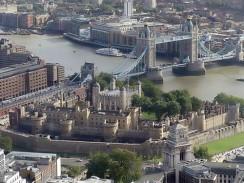 Англия. Лондон. Крепость Тауэр и Тауэрский мост