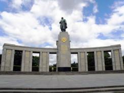 Мемориал советским воинам в парке Тиргартен. Берлин. Германия.