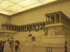 Германия. Берлин. Музей Пергамон. «Пергамский алтарь»