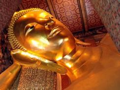 Таиланд. Храм Спящего Будды (Wat Pho) – известная достопримечательность Бангкока.