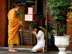 Буддистские ритуалы. Бангкок. Таиланд.
