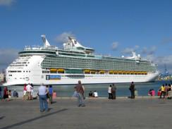 Морской порт Puerto de la Luz. Лас-Пальмас. Испания