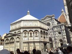 Италия. Баптистерий — самое старое здание Флоренции (V век).
