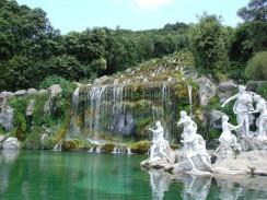 Неаполь. Парк Казертского дворца — самый обширный парк в Италии