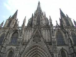 Собор Святого Креста и Святой Евлалии. Барселона. Испания.