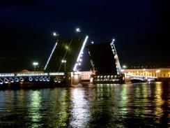 Россия. Санкт-Петербург. Дворцовый мост