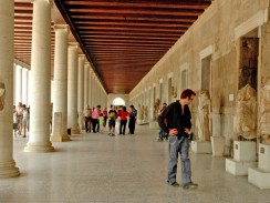 Колоннада Археологического музея Афинской Агоры. Афины. Греция