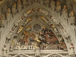 Барельефная композиция над главным входом Бернского собора. Швейцария.