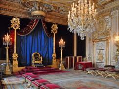 Трон Наполеона I Бонапарта. Дворец Фонтенбло. Париж. Франция
