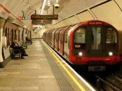 Англия. Лондонский метрополитен.