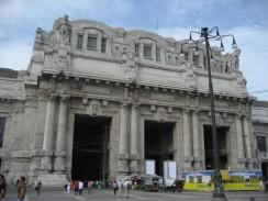 Центральный железнодорожный вокзал Милана. Италия.