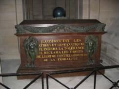 Гробница Вольтера в Пантеоне. Париж. Франция.