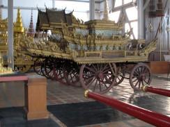 Таиланд. Национальный музей Бангкока. Королевские траурные колесницы.