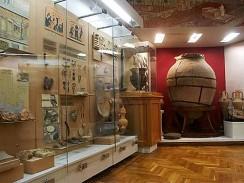 Киев. В залах Национального музея истории Украины.