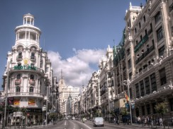 Гран-Виа — «большая дорога» — главная улица Мадрида. Испания.