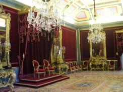 Испания. Мадрид. Тронный зал в Королевском Дворце.